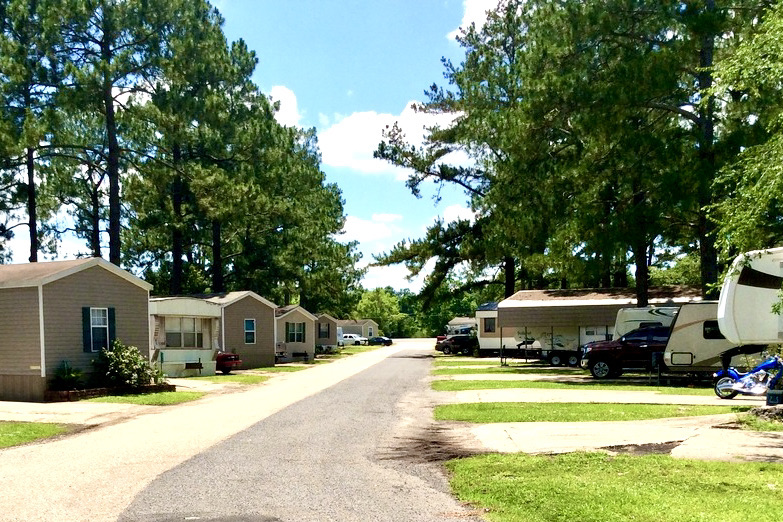 Bakers Mobile Home RV Park 244565234